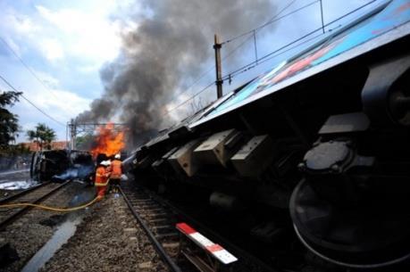Pakistan: Hai tàu hỏa đâm nhau, gần 80 người thương vong