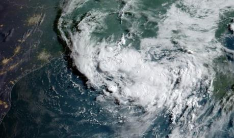 Bão nhiệt đới Barry sắp đổ bộ vào bang Louisiana