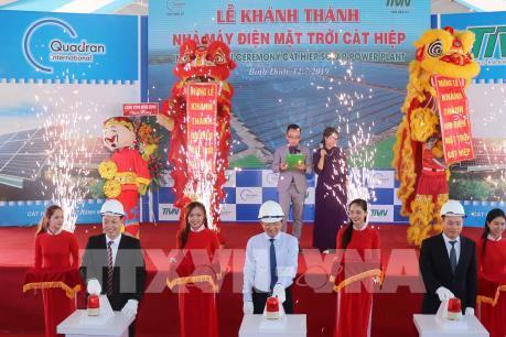 Nhà máy điện mặt trời đầu tiên tại Bình Định hòa điện lưới quốc gia