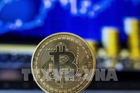 Bitcoin giảm hơn 10% giá trị