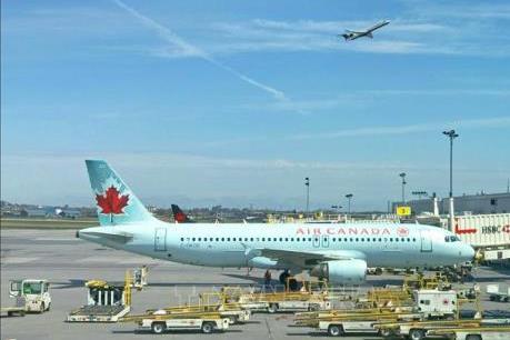 Hãng hàng không Air Canada huy động gần 1,2 tỷ USD để duy trì hoạt động