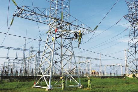 Gỡ khó giải phóng mặt bằng trong xây lưới truyền tải điện