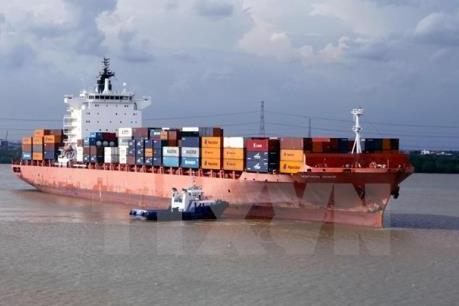 """Vinalines """"mở đường"""" logistics sang châu Âu"""
