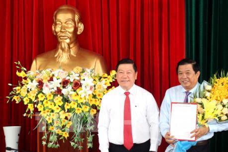 Chuẩn y ông Bùi Văn Nghiêm giữ chức Phó Bí thư Tỉnh ủy Vĩnh Long