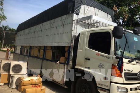 Phát hiện ô tô tải chở 341 bộ điều hòa không có giấy tờ hợp lệ
