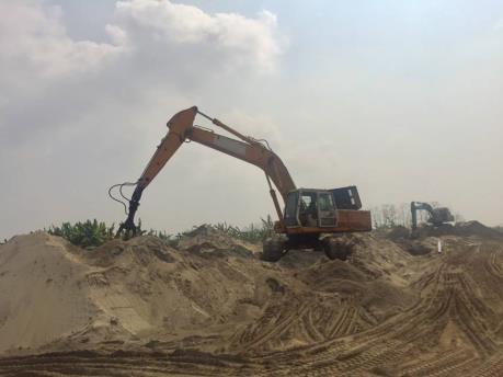 Quảng Ninh xóa bỏ các bãi tập kết vật liệu xây dựng trái phép trong tháng 7