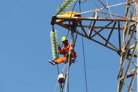 Điện lực miền Bắc đẩy mạnh thanh toán không dùng tiền mặt
