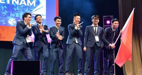 """Việt Nam giành """"Vàng"""" tại Olympic Toán quốc tế 2019"""