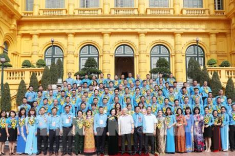 Tổng Bí thư, Chủ tịch nước Nguyễn Phú Trọng gặp mặt 90 Chủ tịch Công đoàn cơ sở tiêu biểu