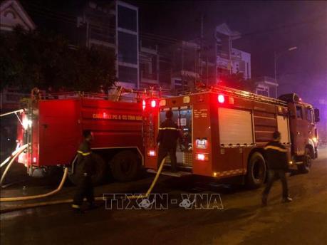 Đà Nẵng: Kịp thời dập tắt đám cháy lớn ở khách sạn May Hotel