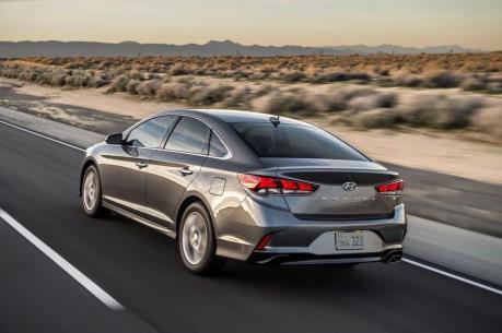 Hyundai ra mắt mẫu xe Sonata 2.0 tiết kiệm nhiên liệu
