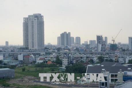 Dịch COVID-19: Doanh nghiệp bất động sản đợi chờ cơ hội