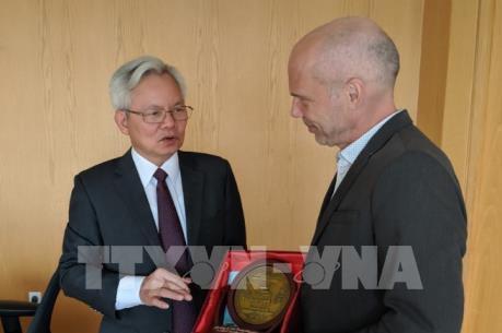 Việt Nam, Canada trao đổi kinh nghiệm tổ chức, quản lý nhà nước