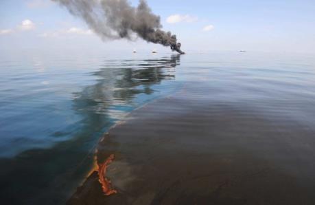 Tràn 40.000 lít dầu diesel tại vùng biển Chile