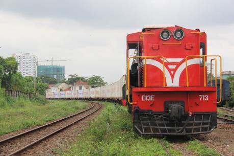 Vì sao vận tải hàng hóa đường sắt sụt giảm mạnh?