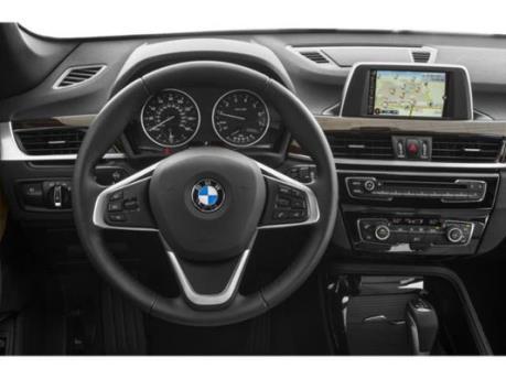 Lợi nhuận của BMW giảm mạnh do chi phí và đầu tư gia tăng