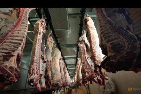 Nhập khẩu thịt bò của Trung Quốc giảm mạnh do dịch COVID-19