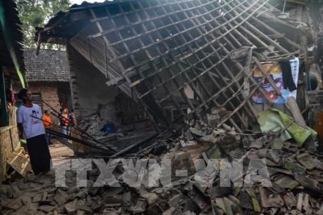 Ít nhất 1 người chết trong vụ động đất tại Indonesia