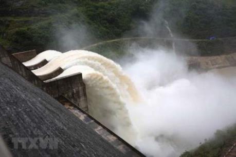 Thủy điện xả nước, sông Cầu Đỏ đã bớt nhiễm mặn