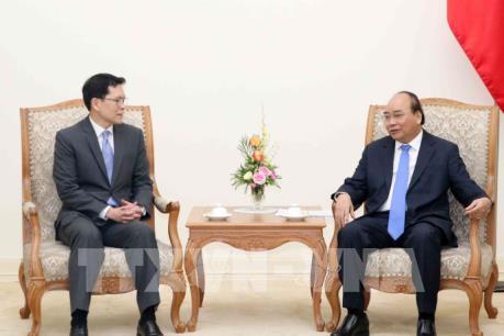 Thủ tướng Nguyễn Xuân Phúc tiếp Thống đốc Ngân hàng Trung ương Thái Lan