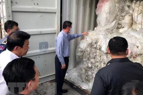 Campuchia kiên quyết ngăn chặn nhập khẩu trái phép rác thải nhựa