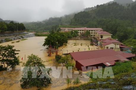 Lào Cai mưa lớn, vùng núi đề phòng lũ quét, sạt lở đất đá