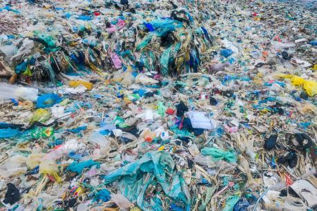 Bộ Y tế ban hành chỉ thị về giảm thiểu rác thải nhựa trong ngành y tế
