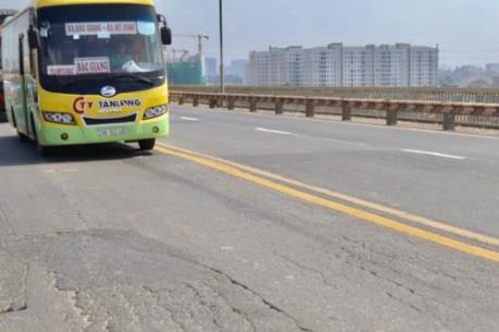 Nghiên cứu các phương án để tiến hành sửa chữa cầu Thăng Long