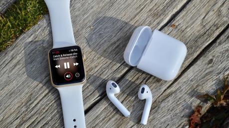 """Nhiều sản phẩm Apple khó """"thoát nạn"""" trong đợt áp thuế tới của Mỹ"""