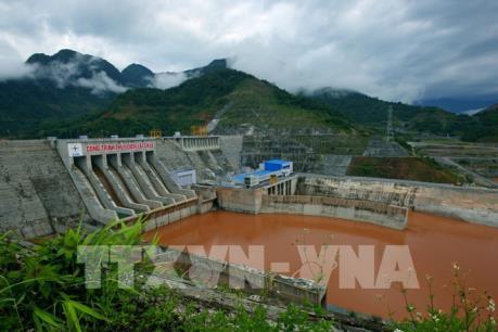 Quản lý tài nguyên nước - Bài 1: Nguồn nước đang bị suy thoái