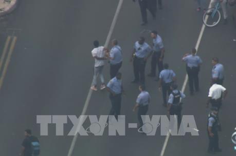 Mỹ bắt giữ nghi can vụ nổ súng làm 6 cảnh sát bị thương