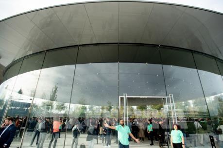 Apple Inc tạo thêm 2,4 triệu việc làm tại Mỹ