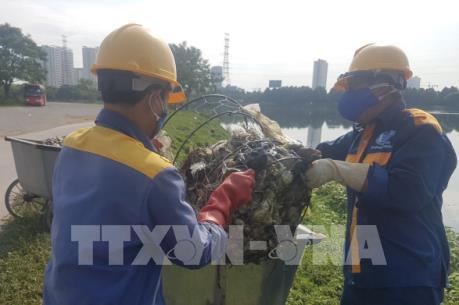 Cá chết nổi, bốc mùi hôi thối ở hồ Yên Sở, Hà Nội