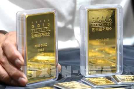 """Giá vàng thế giới """"đi ngang"""" trong phiên 16/12"""