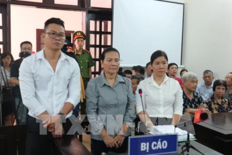 Vụ chống người thi hành công vụ ở Hai Bà Trưng, Hà Nội: VKS giữ nguyên quan điểm truy tố