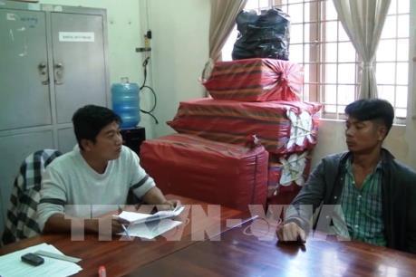 Tây Ninh: Điều tra đối tượng tàng trữ 10.000 bao thuốc lá nhập lậu