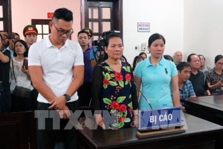 Vụ chống người thi hành công vụ ở Hai Bà Trưng, HN: Tòa xác định cần thiết truy tố, xét xử