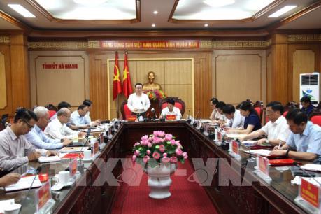 Phó Chủ tịch Quốc hội Phùng Quốc Hiển làm việc tại Hà Giang