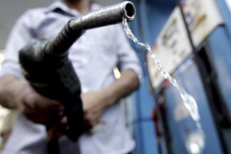 Kinh doanh xăng kém chất lượng, ba doanh nghiệp bị phạt gần 500 triệu đồng