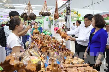 Hội chợ Thương mại Quốc tế An Phú - An Giang hút hơn 50.000 lượt khách