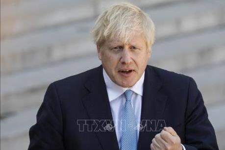 Thủ tướng Anh chủ trương mở cửa lại trường học vào tháng 9