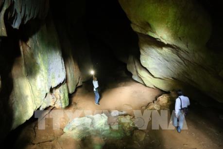 Thăm hang Mường Tỉnh - điểm du lịch hấp dẫn ở Điện Biên