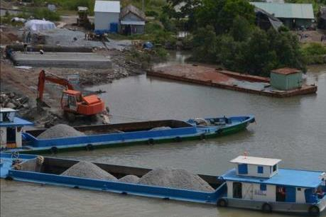 Chấn chỉnh hoạt động của các bến thủy nội địa không phép