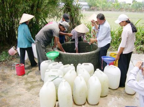Bến Tre vận động người dân trữ nước ngọt sớm để ứng phó với hạn mặn