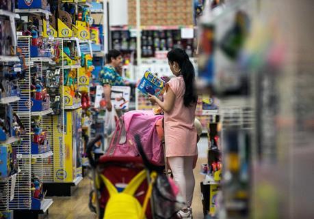 Các nhà bán lẻ Mỹ phàn nàn về thuế quan đánh vào hàng nhập khẩu Trung Quốc