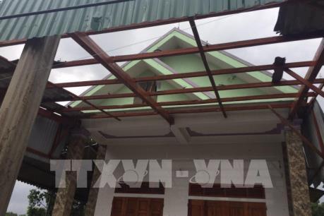 Hà Tĩnh: Lốc xoáy làm hư hỏng hàng chục ngôi nhà tại thị xã Kỳ Anh