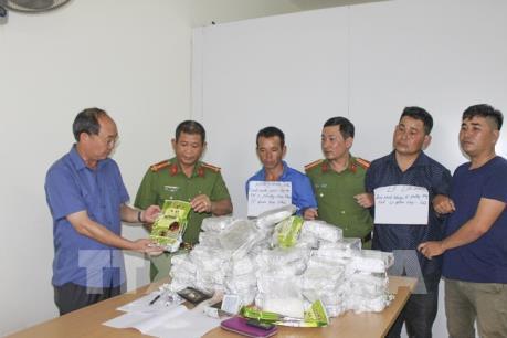 Điện Biên bắt 3 đối tượng vận chuyển trái phép 50kg ma túy đá