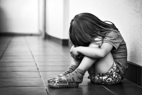 Xác minh vụ 4 trẻ em bị người thân bạo hành