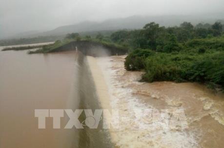 Một số hồ đập thủy lợi, thủy điện tại Nghệ An tiến hành xả lũ
