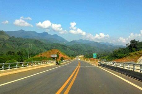 Xác minh xe container đi ngược chiều trên cao tốc Hà Nội - Lào Cai